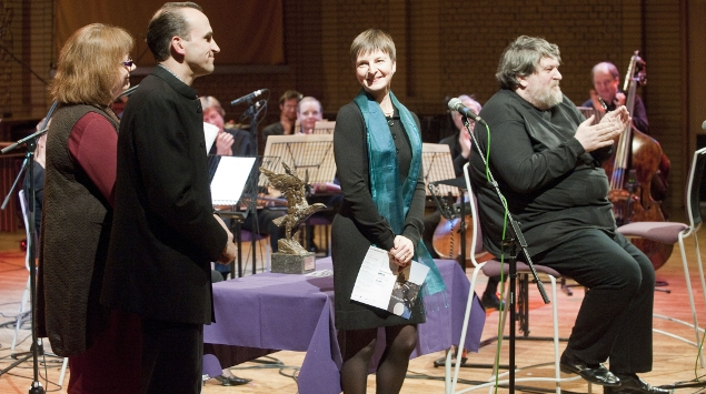 Stephen and Jackie Newbould receiving the Leslie Boosey Award for BCMG Artistic Director & Executive Producer – for BCMG's contribution to British contemporary music