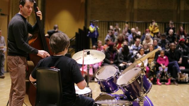 Zigzag participant performing with workshop leader Ben Markland