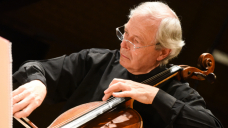 Ulrich Heinen playing cello for BCMG